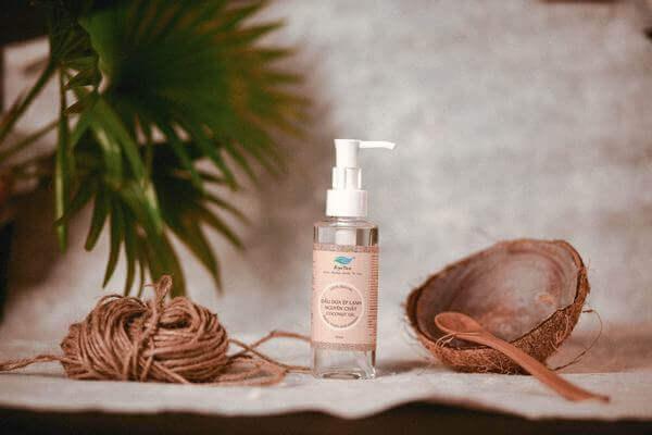 Công dụng thần kỳ của dầu dừa trong việc dưỡng tóc ra sao?
