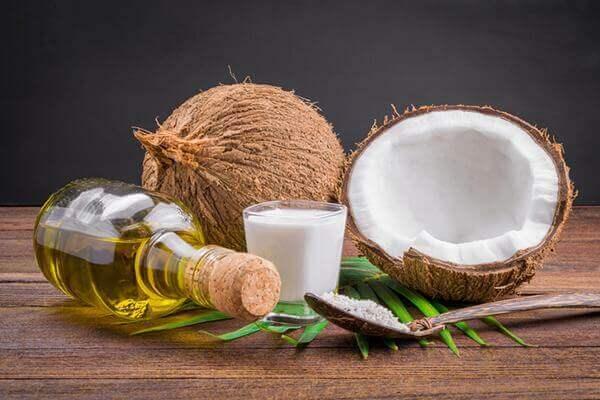 Hướng dẫn sử dụng dầu dừa trong làm đẹp hiệu quả đơn giản