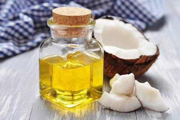 Dầu dừa có tác dụng chăm sóc sức khỏe răng miệng