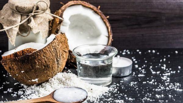 Tác dụng của dầu dừa đối với da mặt và làm đẹp như thế nào?