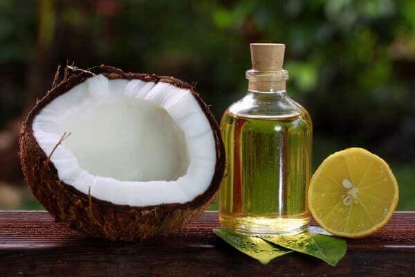 Dầu dừa có tác dụng rất tốt trong việc kháng viêm, chống khuẩn