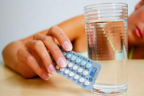 Biến chứng nguy hiểm khi dùng thuốc tránh thai khẩn cấp có hay không?