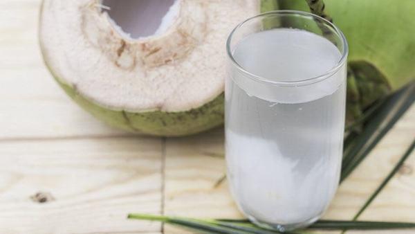Thông thường mốt trái dừa chỉ chứa từ 50 - 60 Calo thôi.