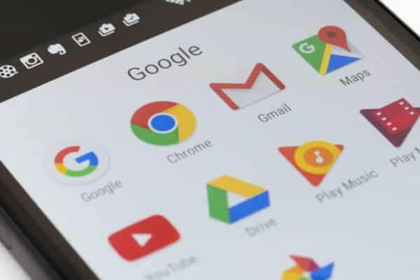 Gmail trước tiên là 1 dịch vụ Email và là 1 sản phẩm của Google.