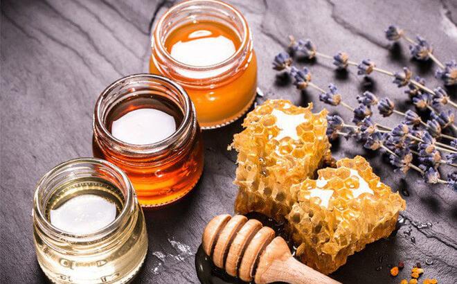 Trong y học cổ truyền, mật ong được coi là một loại thuốc bổ dưỡng