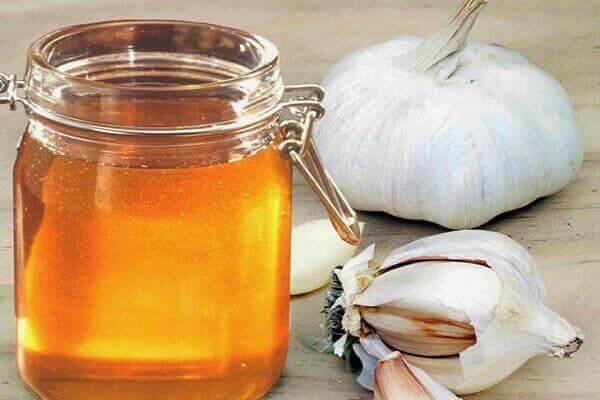 Cách làm tỏi ngâm mật ong đơn giản tại nhà
